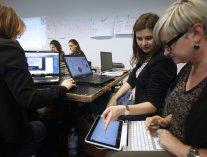 testy kompetencji wypełniane na komputerze